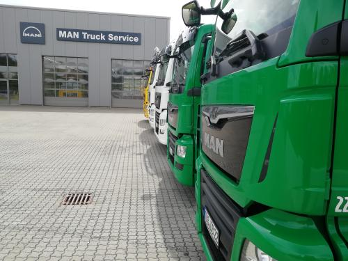 MAN LKW Bus Transporter